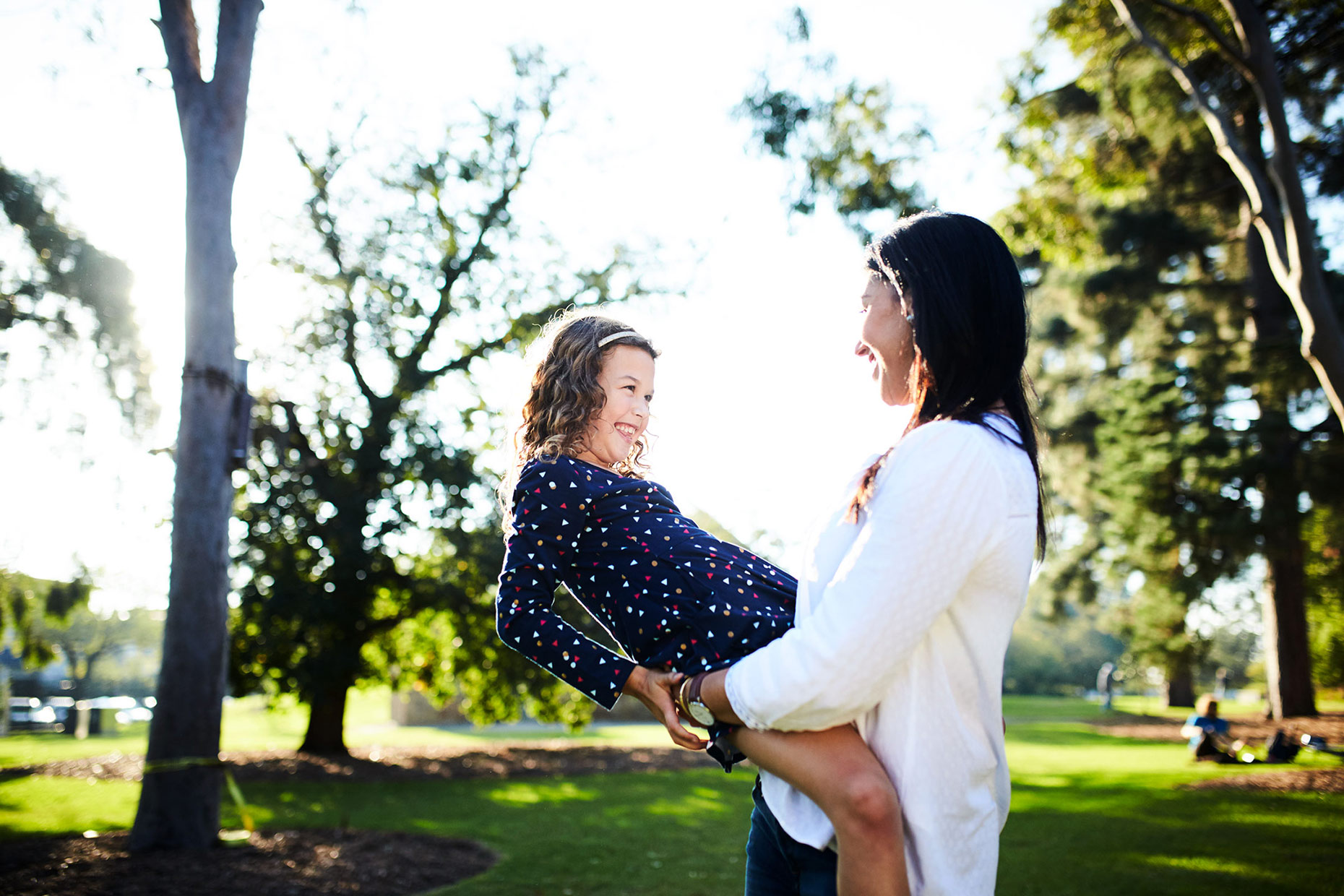 Mother and daughter in St Kilda Gardens